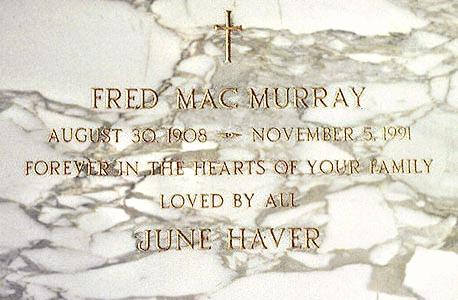 Fred MacMurray's grave (photo)