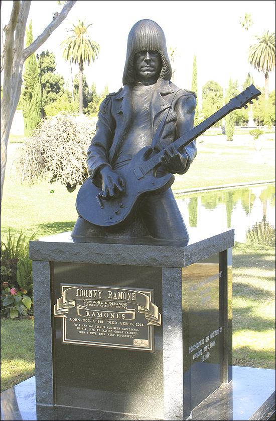 Johnny Ramone pic