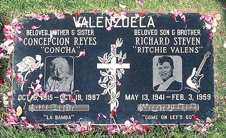 Ritchie Valens' Grave (photo)
