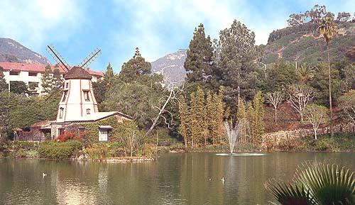 LakeShrineWindmill.JPG